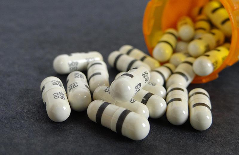 ADECES RECLAMA INFORMACIÓN DE LAS CONTRAINDICACIONES EN LA PUBLICIDAD DE LOS MEDICAMENTOS PARA QUE NO SEAN UN JUEGO