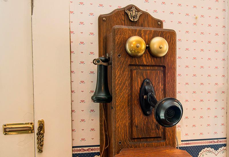 USAR LA LÍNEA FIJA, AUNQUE NO CON TODOS LOS OPERADORES, ES LA MEJOR ELECCIÓN POR PRECIO Y PRESTACIONES Y DETECTA MAL USO Y ABUSO DE LA TELEFONÍA MÓVIL